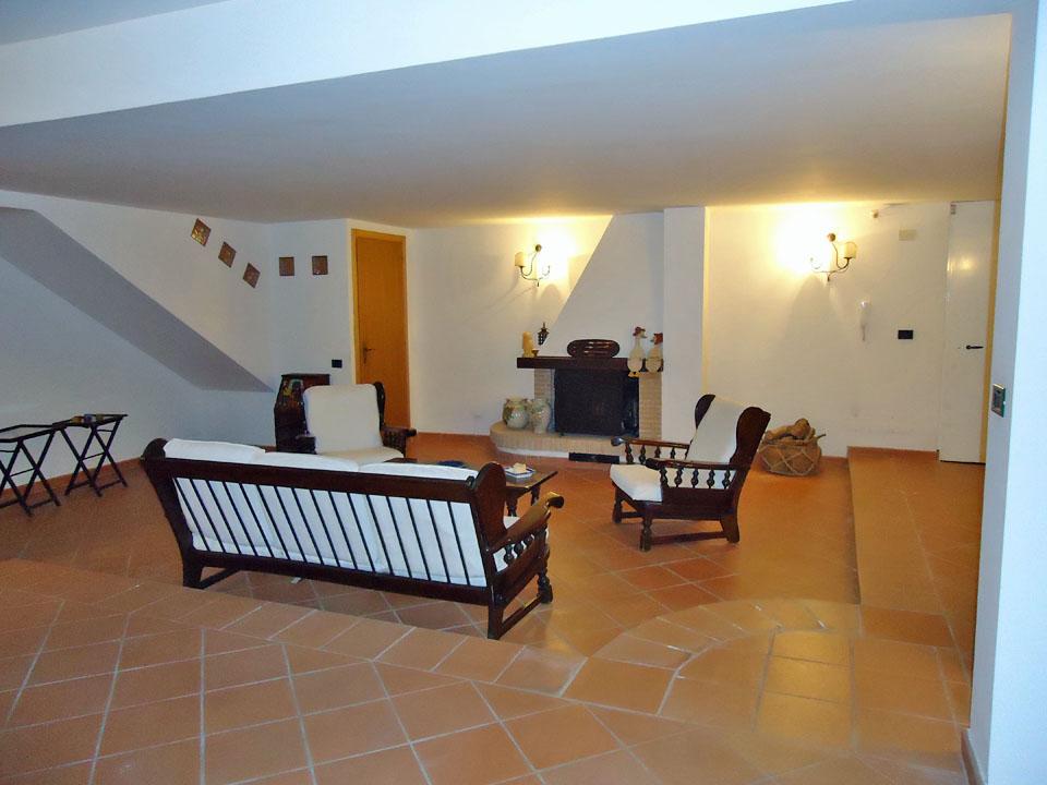 Villa A Pochi Metri Dal Centro Sabaudia Iodice Immobiliare Srl